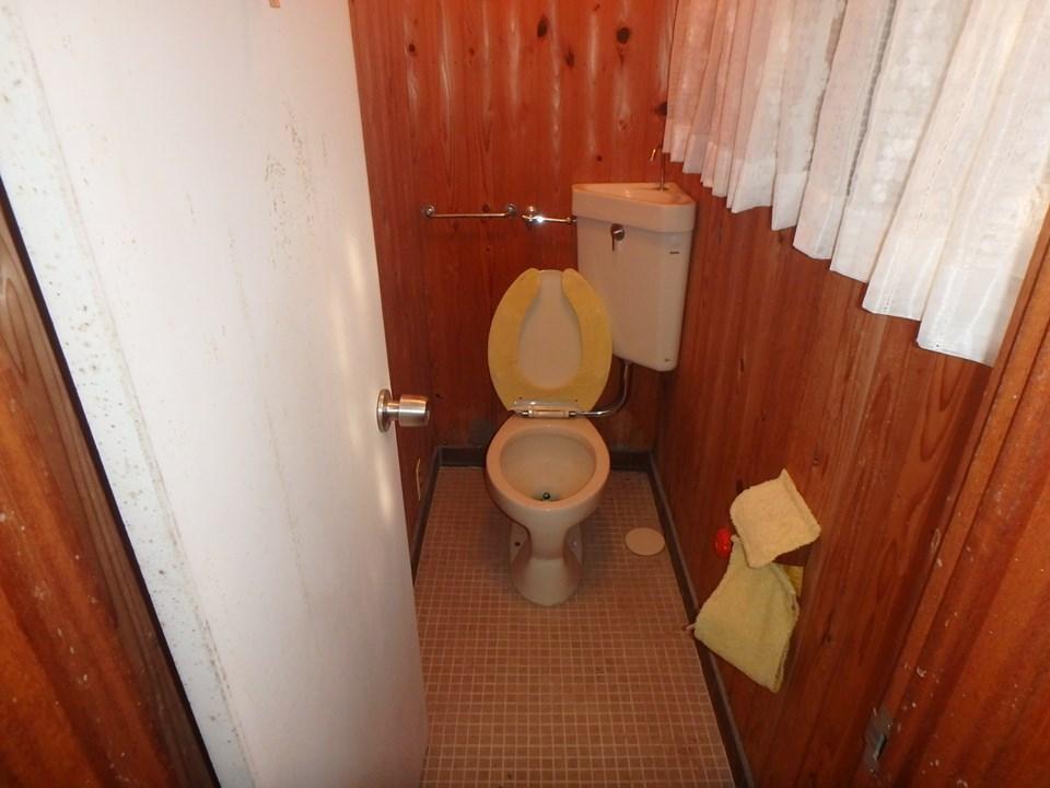 F様邸トイレ施工前